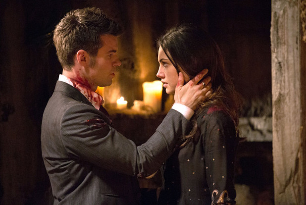 Daniel Gillies as Elijah and Phoebe Tonkin as Hayley in The Originals S01E22: 'From A Cradle to a Grave'