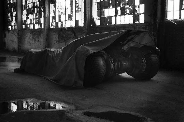 Batmobile from Batman vs Superman teased by Zack Snyder