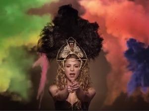 Shakira in La La La video