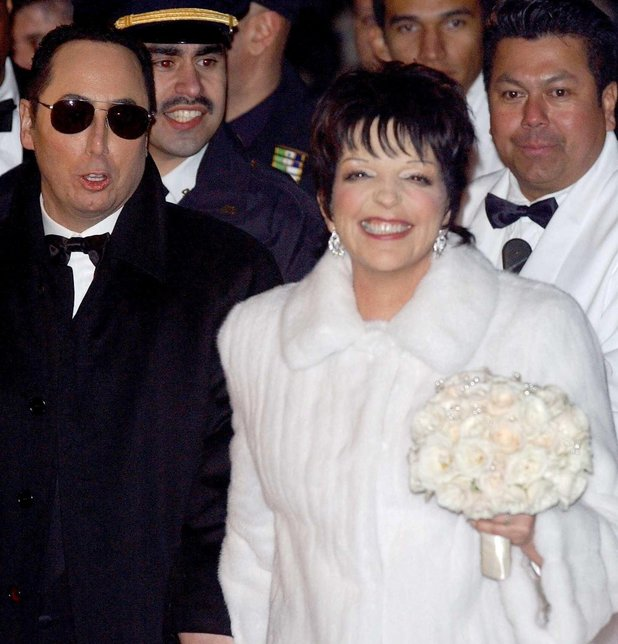 THE WEDDING OF LIZA MINNELLI AND DAVID GEST AT THE MARBLE COLLEGIATE CHURCH, FIFTH AVENUE, NEW YORK, AMERICA - 17 MAR 2002 Liza Minnelli and David Gest
