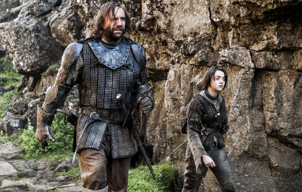 Rory McCann & Maisie Williams in Game of Thrones S04E08: 'The Mountain and the Viper'