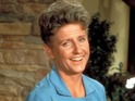 Stars from across the world remember the Brady Bunch actress.