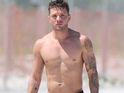 Gay Spy presents sexy photographic evidence that Ryan Phillippe does not age.