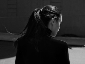 Jessie Ware press shot 2014.