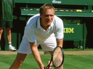 Paul Bettany in Wimbledon (2004)