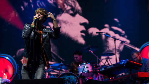 Paolo Nutini performs Glastonbury set