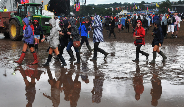 The puddle situation goes from bad to worse at Glastonbury Festival 2014