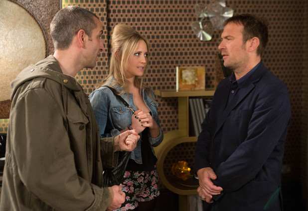 Declan offers to let Sam and Tracy stay at the Brook.
