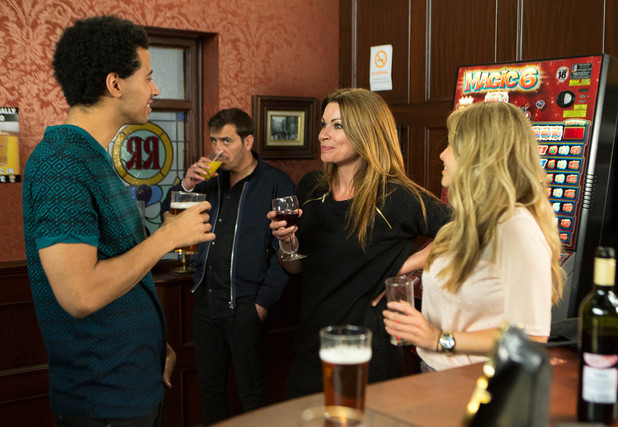 Carla sets her sights on Luke at The Rovers