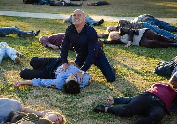 Dean Norris as Big Jim in Under The Dome S02E01: 'Heads Will Roll'