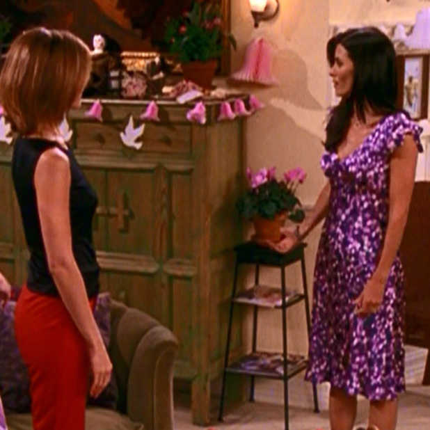 Monica and Rachel in season 7 of Friends