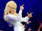 Dolly draws huge Glastonbury crowd