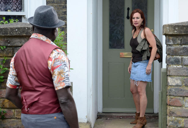 Patrick runs into Rainie who is looking for Ian