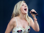 Ellie Goulding breaks up crowd fight during Eden Project show