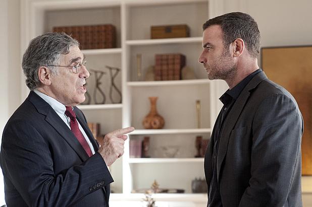 Elliot Gould as Ezra Goldman and Liev Schreiber in Ray Donovan: Season 2, Episode 2