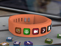 Wearable delivers alerts from Facebook, Twitter, Instagram, LinkedIn and more.
