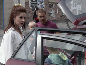 Kylie and David arrive home and Max runs amok on the street with a water pistol angering residents.