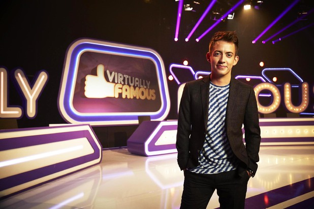 Kevin McHale hosts Virtually Famous