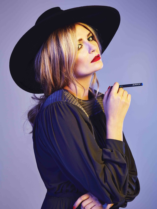 Mischa Barton is VAPESTICK's head Style Icon judge