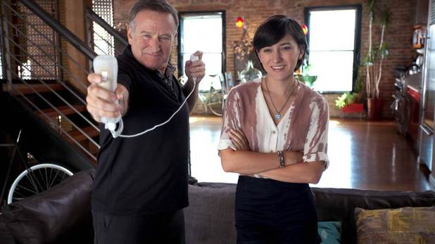 Robin Williams and daughter Zelda play Wii