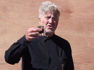 David Lynch takes the ALS Ice Bucket Challenge