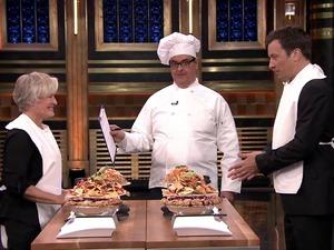 Jimmy Fallon and Glenn Close eating contest