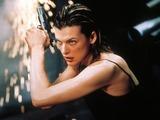 Mila Jovovich in Resident Evil (2002)