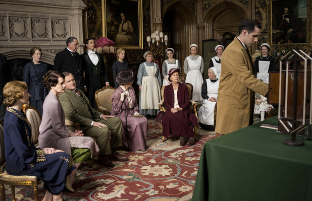 Downton Abbey S05E02