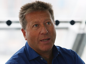 Neil Fox attendst Magic 105.4 FM's Live broadcast, promoting London's Biggest Breakfast fundraising event