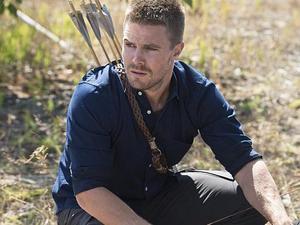 Stephen Amell as Oliver Queen in Arrow S03E03: 'Corto Maltese'