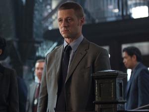 Ben McKenzie as James Gordon in Gotham S01E07: 'Penguin's Umbrella'
