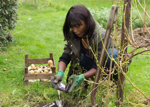 Denise is horrified to find Lucy's phone and wallet when she digs Patrick's allotment