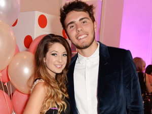 zoella and alfie confirms dating after divorce