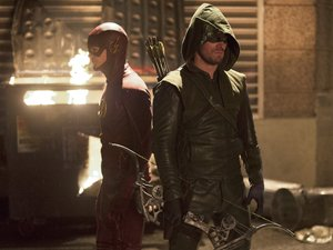 Grant Gustin as Barry Allen & Stephen Amell as Arrow in The Flash S01E08: 'Flash vs Arrow'