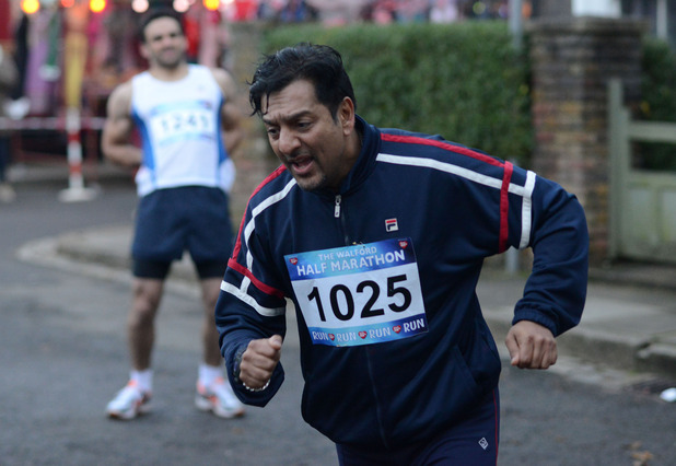 Masood makes it to the finish line after Kush's help