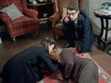 Emma and Finn find Val on the floor, unsure whether she is still breathing.