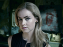 Amanda Schull as Dr. Cassandra Railly in 12 Monkeys