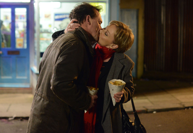 who is billy dating in eastenders Caption: billy and kelly sharing their on-screen romance in the series, general hospital billy and kelly dating rumors or better say speculations came into the media.