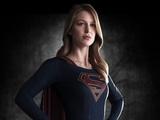 First Look: Melissa Benoist in Supergirl