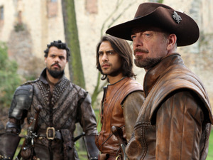 Howard Charles, Luke Pasqualino & Hugo Speer in The Musketeers S02E09