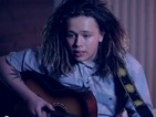 Luke Friend covers Rihanna's 'FourFiveSeconds' with acoustic guitar