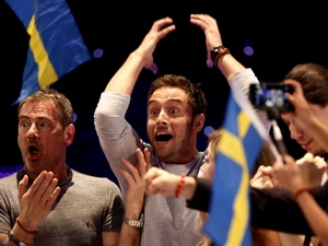 Måns Zelmerlöw reacts to winning Eurovision 2015