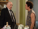 Paul warns Les that he knows his secret in tonight's episode.