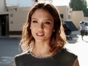 Jessica Alba wants a favour from Ari Gold – and she's not asking politely.