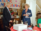 Bev tells Ken and Tracy that Deirdre has passed away peacefully.