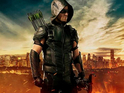 Stephen Amell unveils new Arrow suit
