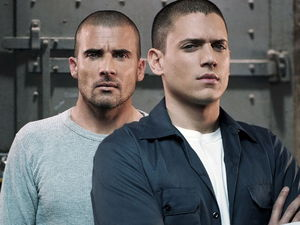 Dominic Purcell and Wentworth Miller in Prison Break